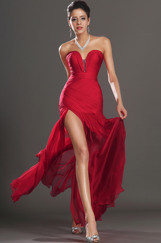 Robe rouge de cocktail