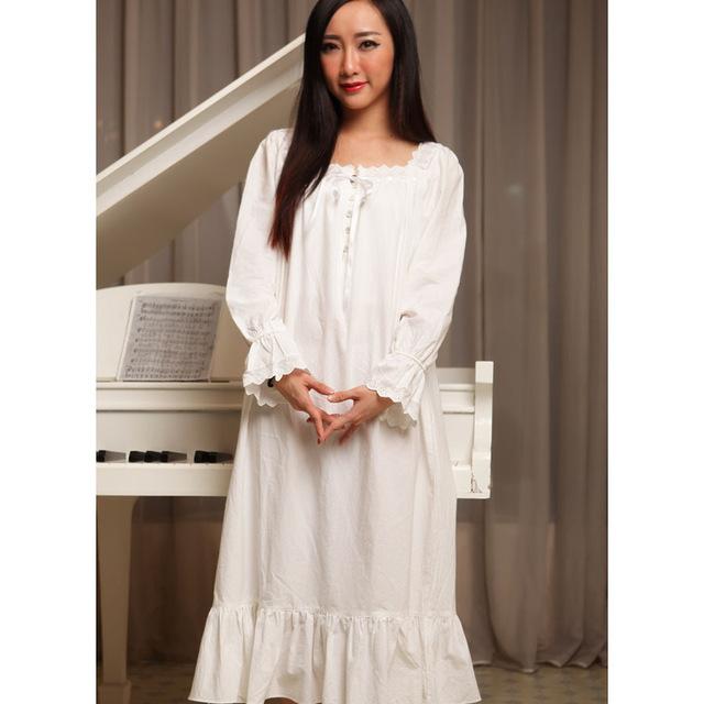 Chemise de nuit blanche coton
