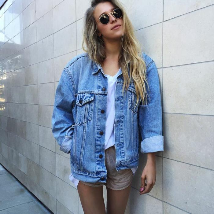 Chemise en jean femme que mettre avec. Chemise en jean femme que mettre  avec. Je veux trouver une belle chemise femme et agréable à porter pas cher  ICI ... 81a85d2b4158